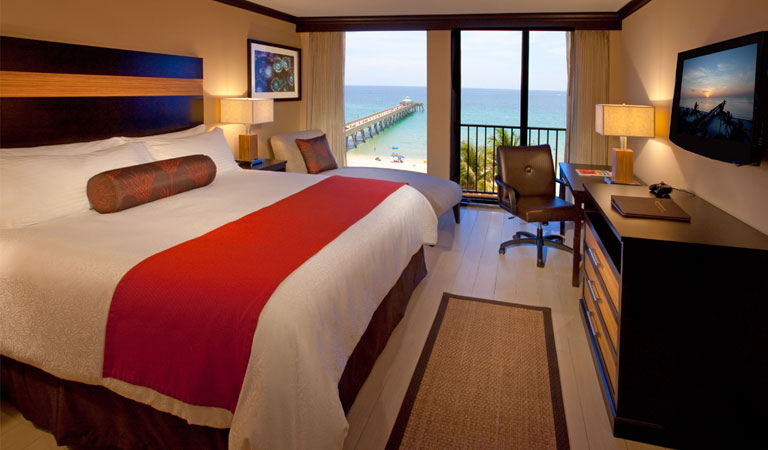Rooms at Wyndham Deerfield Beach